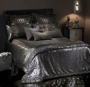 Best Duvet To Buy Sequin Bedspread Sequins Make Everything Better Dorm