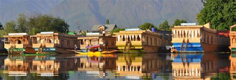 srinagar boat house luxury deluxe houseboats in srinagar
