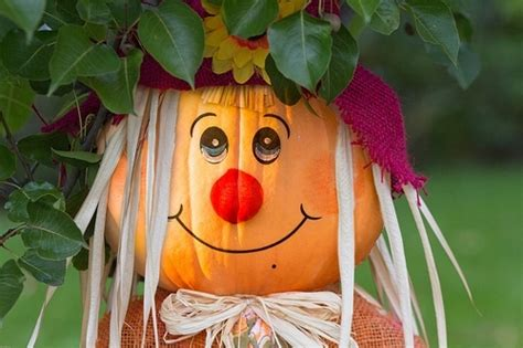 Lotus Hallmark Pixie 11 Gold T Bar Sandals by Pumpkin Scarecrow 8 Amazing Fall Craft Ideas