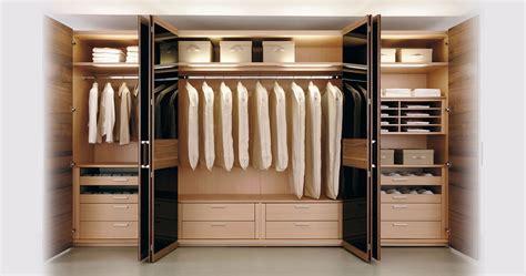 Daftar Lemari Pakaian Di Hypermart lemari pakaian plastik dan kayu bagus yang mana