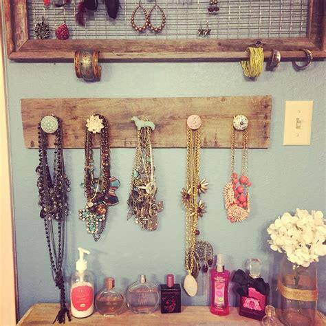 bathroom jewelry best 25 bathroom makeup vanities ideas on pinterest