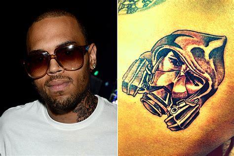 tattoo bandit instagram chris brown s fortune tops billboard 200 singer