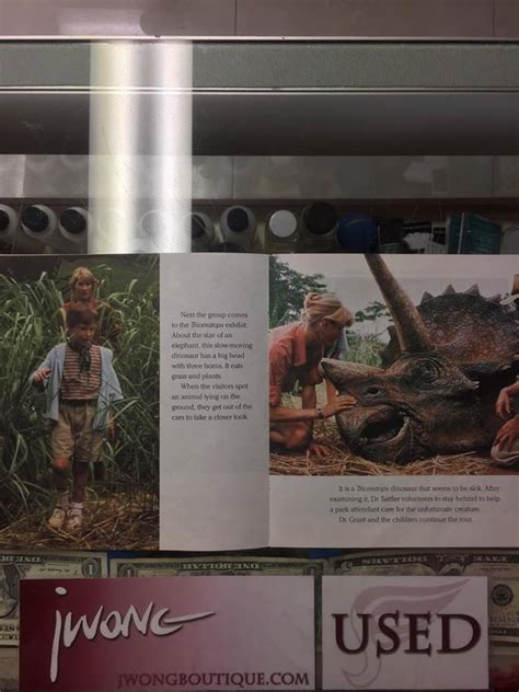 jurassic park golden book jurassic park books 1993 welcome to jurassic park golden book jwong boutique
