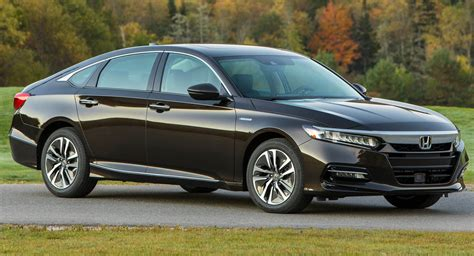 how the honda accord s innovative hybrid system works 2018 honda accord hybrid priced from 25 100 carscoops