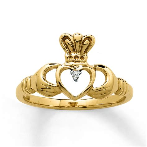 gold claddagh ring with images