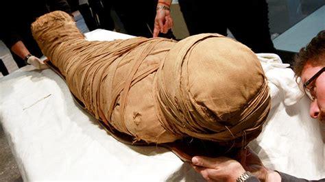 imagenes momias egipcias para niños egipto descubren fosas con momias de ni 241 os de hace 5 000
