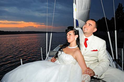 Wedding On A Boat by Weddings On A Boat In South Florida Aboard A Sail Boat In