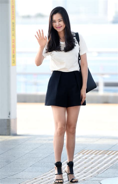 Jam Tangan Kpop Exo Xoxo Hitam airport fashion bintang korea di akhir juni