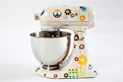 Happy Go Marni: I Want a Wonder Woman KitchenAid Stand Mixer and I'm Ready to Fly to Brazil to