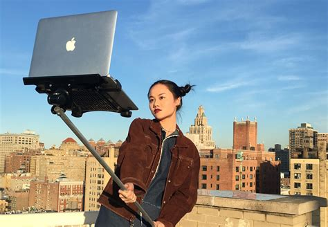 Am Selfie il y a un selfie stick pour macbook
