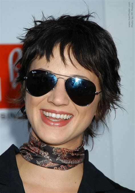 how to achieve disheveled pixie asia argento shag inspired pixie hairstyle with volume
