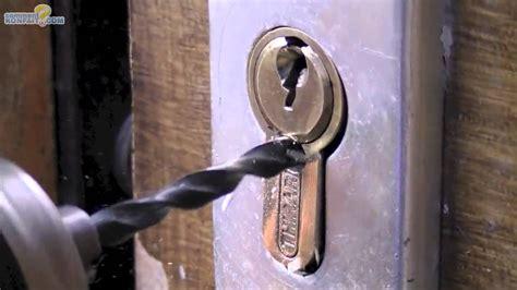 ouvrir porte de garage basculante sans clef maison travaux