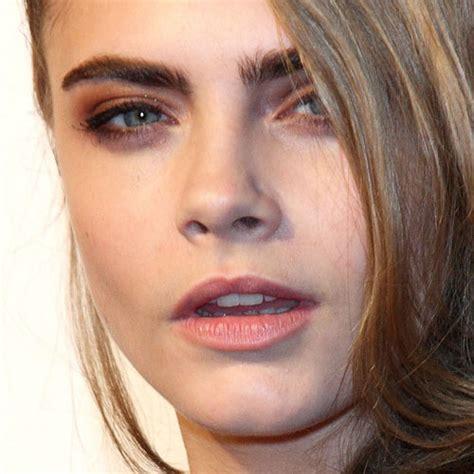 cara delevingne pink lipstick cara delevingne makeup bronze eyeshadow pale pink