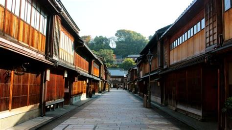japanese town bbc travel get lost in japan s ancient samurai town