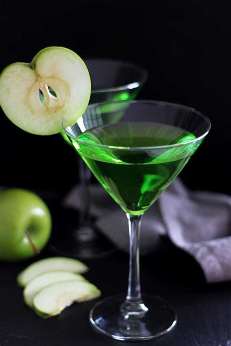 apple martini green apple martini cocktail recipes worth repeating