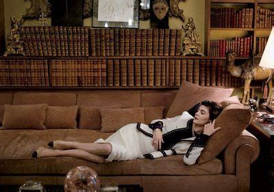 coco chanel frasier coco chanel s sofa a reproduction of which was featured