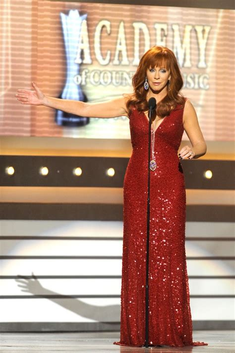 reba mcentire s costume changes at acm awards dresses reba mcentire photos photos 47th annual academy of