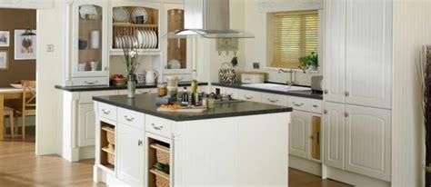 rangement sous 騅ier cuisine amenagement meuble de cuisine cuisine amnagement