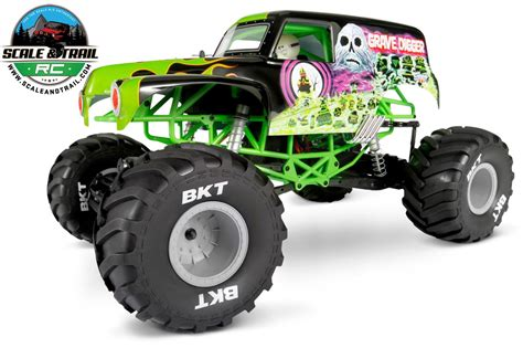 monster trucks grave digger crashes 100 grave digger the monster truck 10 scariest