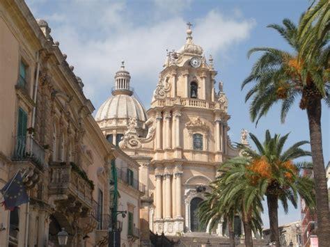 sicilia turisti per caso ragusa ibla viaggi vacanze e turismo turisti per caso