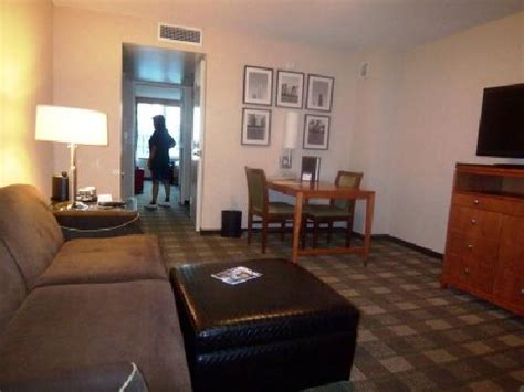 hotel suites in chicago with 2 bedrooms embassy suites chicago sitting room picture of embassy