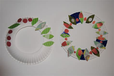 Paper Crafts For Toddlers - boogaloo paper wreath craft for