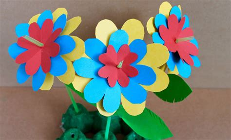How To Make Easy Flowers Out Of Construction Paper - easy paper craft how to make paper flowers