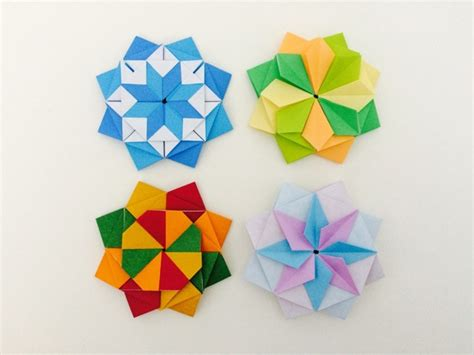 Four Origami - modular origami of the four seasons