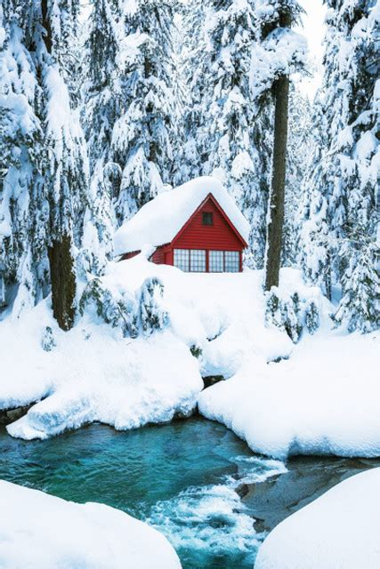 winterw onderland homebargains away these snow covered homes will make you winter lonny