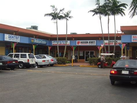 1 876 sq ft store for rent 4556 nw 183 st miami