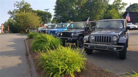 Jeep Dealers In New Ct Bradshaw Chrysler Jeep Car Dealership In Oakville Ct