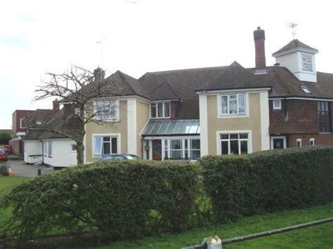 rooms to rent canvey island 1 bedroom sheltered housing to rent in road canvey island ss8 ss8