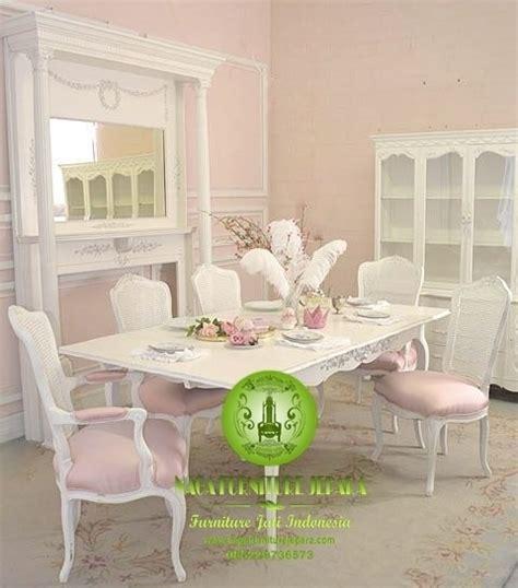 Kursi Keramas Putih Jok Warna Pink jual meja makan minimalis jati terbaru harga murah di