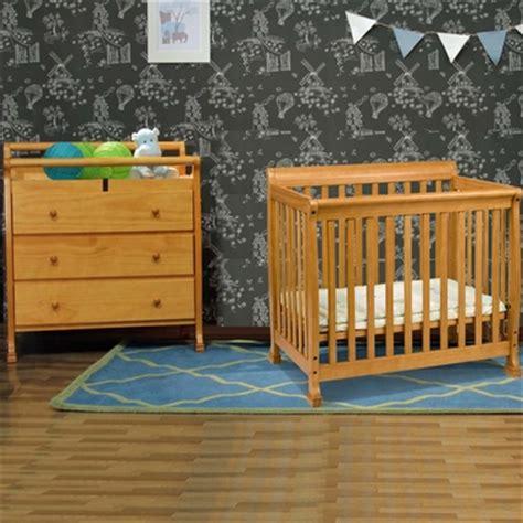 Davinci Kalani Mini Crib Espresso Da Vinci 2 Nursery Set Kalani Mini Crib And 3 Drawer Changing Table In Honey Oak Free