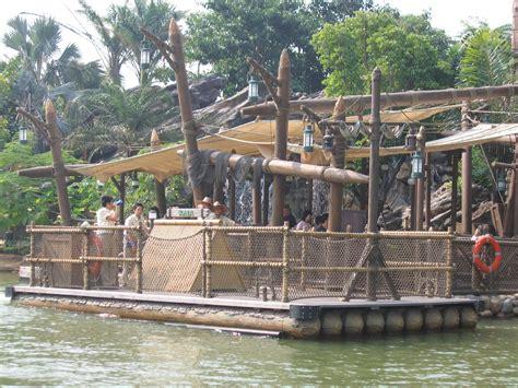 team tree house file hkdl raft tarzan s tree house jpg wikimedia commons