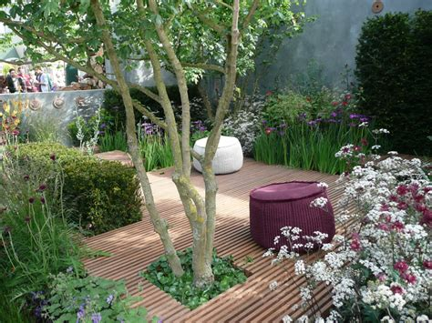 Small Courtyard Garden Ideas Outdoor Small Courtyard Garden Design For Backyard With Sofa Decorating Small Garden That