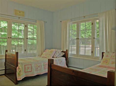 lakefront cottage rentals in michigan idylewilde cottage lakefront vacation rental in michigan
