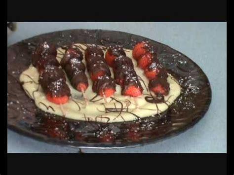 brocheta de fresas y frambuesas brocheta de fresas y chocolate