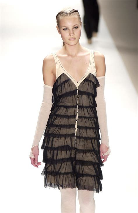 Fashion Week Sass Bide 2 by Sass Bide Fall 2006 Runway Pictures Stylebistro