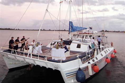 romantic evening fine dining cruise  bali  sail