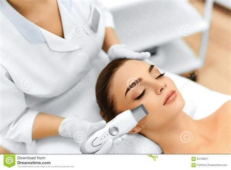Caring For Skin Breakout During A Detox by Skin Care Ultrasound Cavitation Peeling Skin