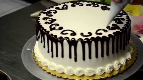 how to decorate a cake in 2 minutes bakery secret