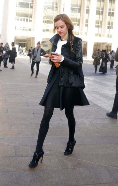 24 leather sleeved coat for fashionable
