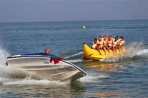 banana boat hong kong let s go junk ing sassy s guide to planning a perfect