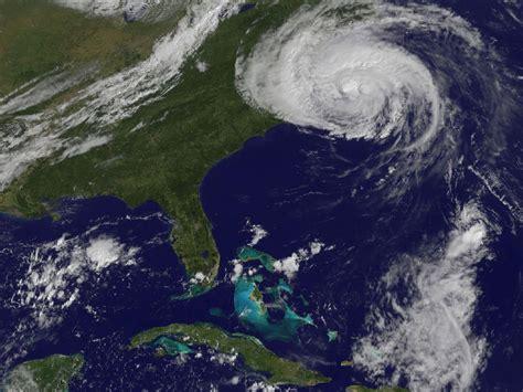 imagenes satelitales goes13 imagenes del huracan earl fly news