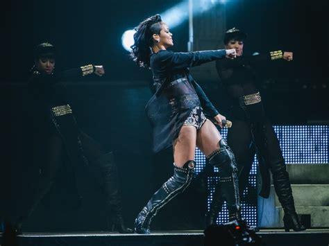 Rihanna Concert Houston Toyota Center And Rihanna Visit Justin Bieber S Favorite Houston