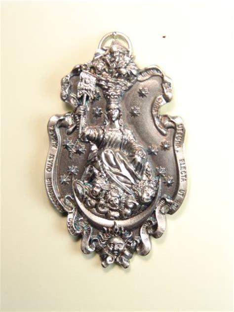imagenes medallas catolicas medallas religiosas im 193 genes relieve quot virgen de la aurora