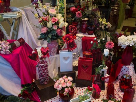 Local Flower Shops by Local Flower Shops Prepare For S Day