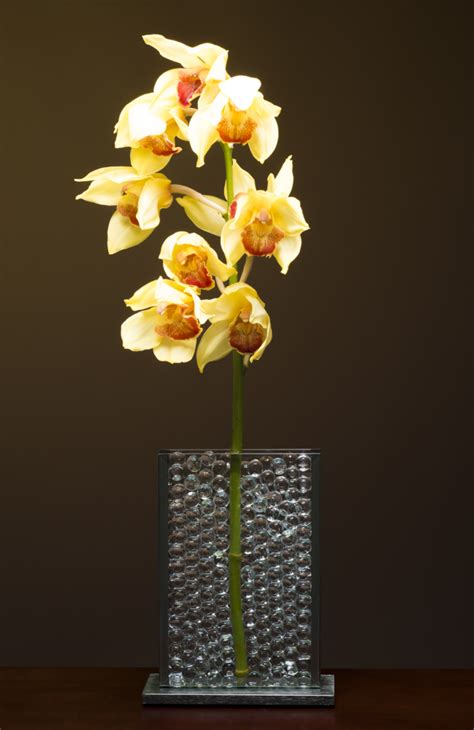 Flower In A Vase Picture Vertical Arrangements Stems Vases Handcrafted Glass