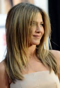 below shoulder simple layered hair style long layered haircuts for shoulder length hair